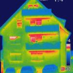 Ortung von Wärmeverlusten an neu errichteten Gebäuden.