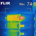 Überwachung von Übergangswiderstanden an Sicherungselementen unter Spannung und Last.