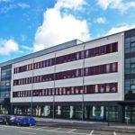 Bildungs- und Bürogebäude
