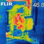 Thermografie in Schaltanlagen an warmes Schütz zur Überwachung einschleichender Übergangswiderstände.